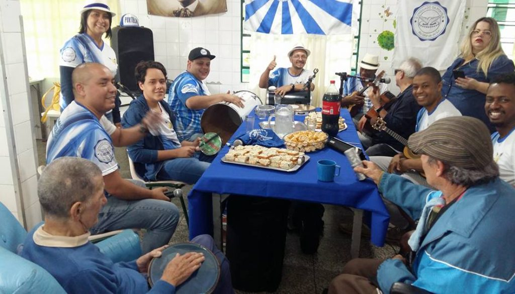 Consulado da Portela RS, traz doação de alimentos e faz a festa dos idoso nesta tarde de domingo
